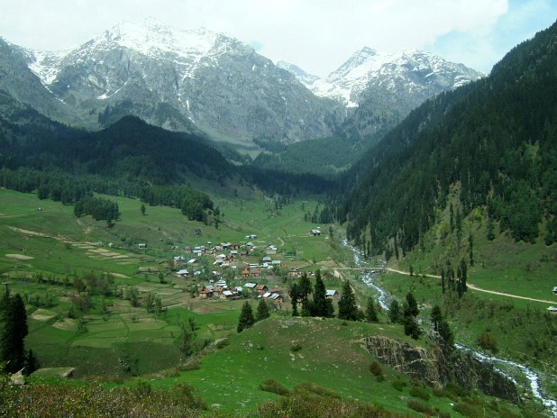 kashmir-pahalgam-valley1