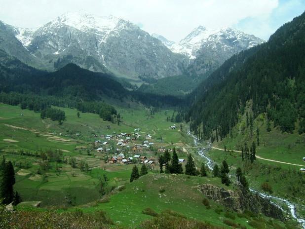 kashmir-pahalgam-valley1
